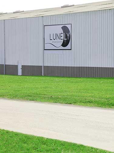 photo de l'usine LUNELY vue de l'extérieur